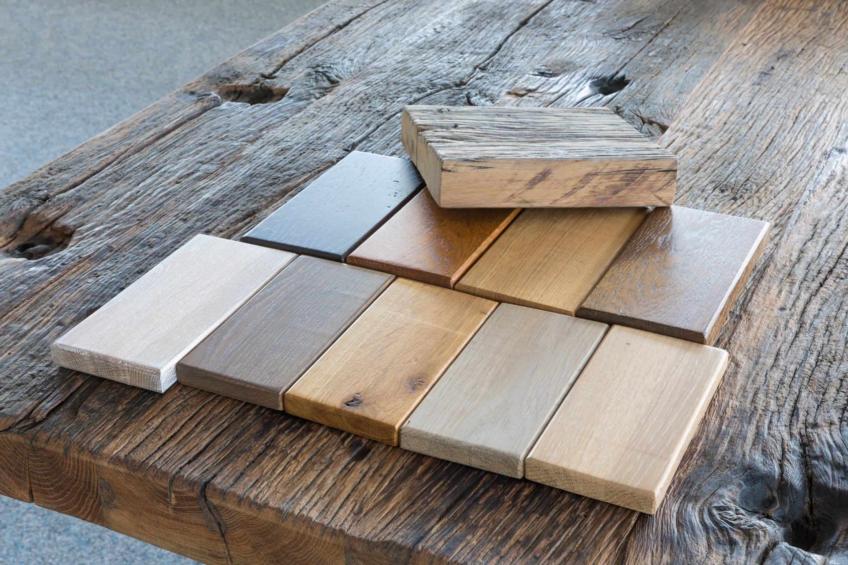 Different types of wood have different properties that affect the reading results of moisture meters.