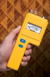The J-4's easy to read analog display makes it a great companion tool for woodworkers.
