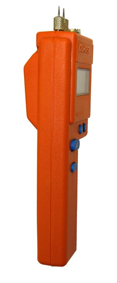 J-2000-3.jpg